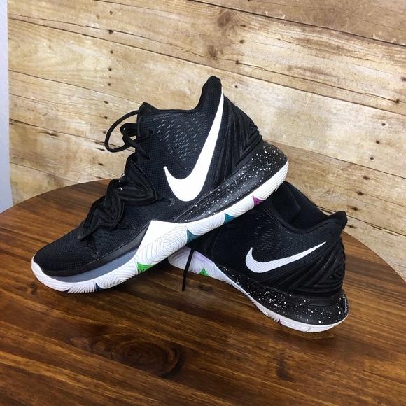 Nike Kyrie 5 Black Magic Bball Shoes